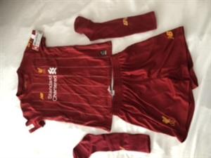 New Liverpool full kit age 6-7 yrs