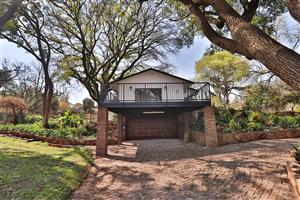 NEWLY RENOVATED 3 BEDROOM HOUSE INCL 2 BEDROOM FLATLET TO RENT IN IRENE CENTURION