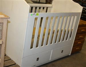 White baby wooden cot S030658A #rosettenvillepawnshop