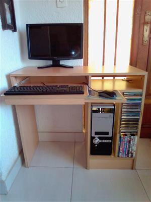 Computer Desk in Good Condition. With CD/DVD compartment. Accessories not included.