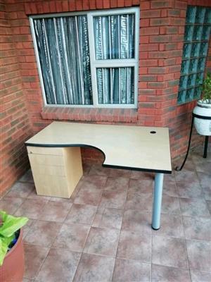 Cherrywood L shape office desks for sale