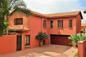 Notting Hill 19 Fully Furnished 3-Bedroom House To Let in Faerie Glen Pretoria East by Feel-at-Home Properties