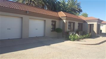 Huge 3 Bedroom Townhouse for sale in Upington