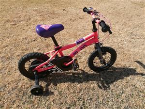 "Muna Pink Girls 12"" Bike with training wheels"