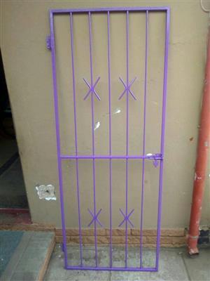 1 x security gate