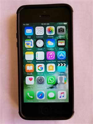 IPhone 5 64gb Black color open for All network icloud open