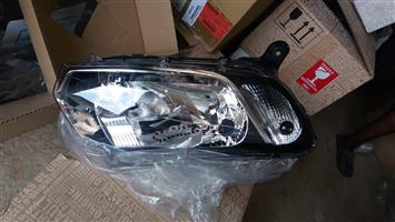 Renault Sandero 11 Right front Headlight for sale in Pretoria West R1200