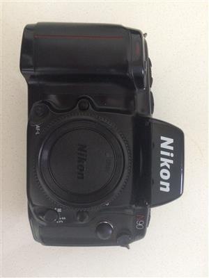 Nikon N90 (American F90) Vintage Film Camera