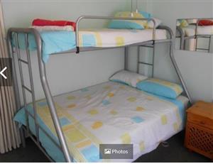 Double, single bunker bed