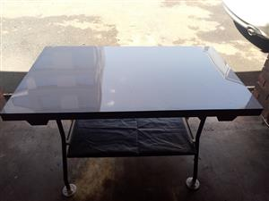 FOLD UP TABLE 4 SALE