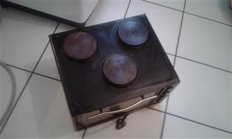 3 plate stove with 40l oven