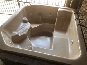 Marcel Jacuzzi 6 seater