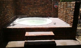 Leeupoort 2 slpk vakansiehuis met jacuzzi te huur naby Thabazimbe Limpopo