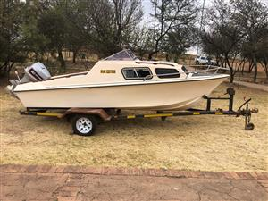 18' Baronet Cabin Boat for Sale R34500.00 Negotiable.