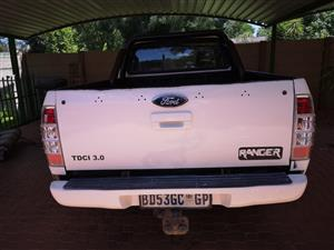 2010 Ford Ranger SuperCab RANGER 3.2TDCi XLS P/U SUP/CAB
