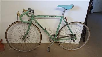 Bianchi 900 Caurus Vento Bicycle