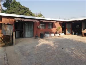 967 Commercial street pretoria TUINE house to rent