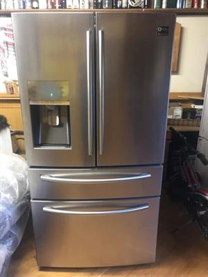 Samsung French Door Fridge with sparkling water dispenser