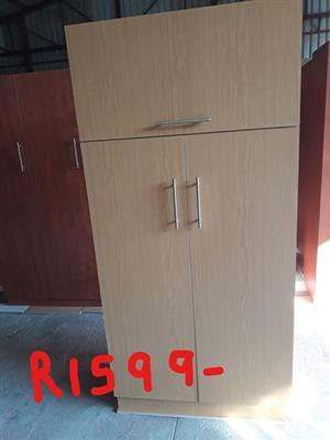 Light wooden 3 door closet