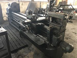 Lathe, 2500mm B/Centres, 620mm Swing, DRO System