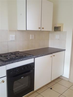 2Bedroom top unit to rent in Zwartkop