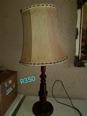 WOODEN LAMP WITH SHADE