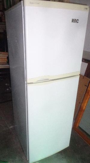 KIC fridge/ freezer