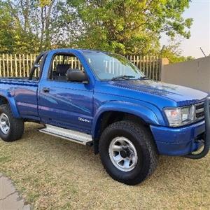 2001 Toyota Hilux 2.7 Raider