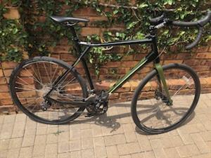 GT Grade Gravel Bike like new