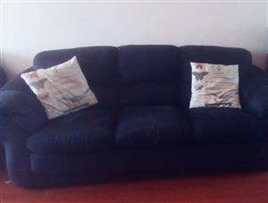 3 Seater black couch for sale