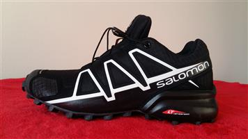 Salomon Black & White SpeedCross 4