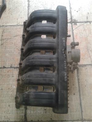 intake manifolds of BMW 325i pasta 1485