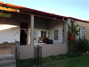 Free standing Overnigh Accommodation on N6 Rouxville between Aliwal North and Smithfield