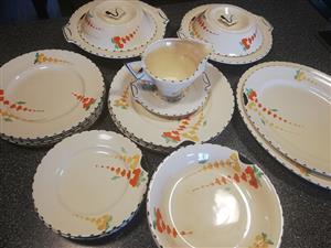 Complete white dinner set for sale