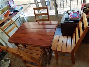 4 Chair Siligna Dining Room Set