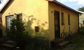 Rockville 3bedroomed house to rent for R3500