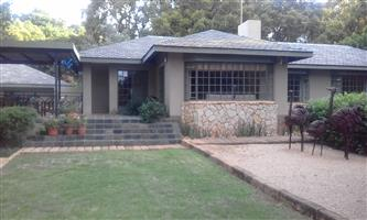 House to let Lynnwood Glen 3 bed study