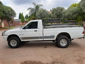 Colt 2800 Diesel Raised body with Diff lock a/c p/s r/t 188000km FSH 2006 R89k neg mint condition