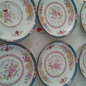 6 porcelain plates