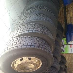 Secondhand & Retreaded Truck Tyres for Sale 315 & 12R