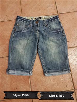 Edgars petite size 6 denim shorts