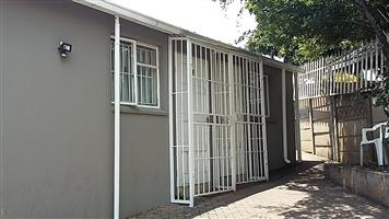 Student Accommodation 500m from UJ Gate 5 - 2 SPOTS LEFT!