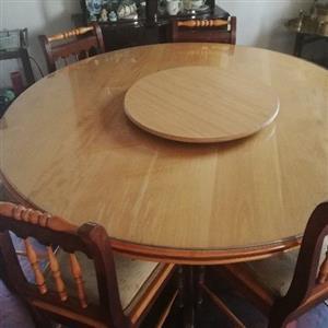 8 seater Emboia Diningroom Suite