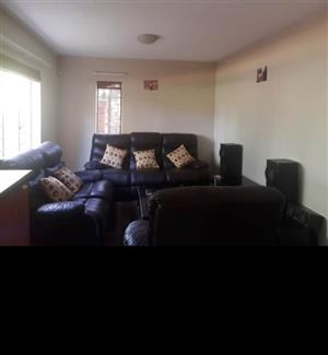 Ground 2 bedroom apartment with own private garden g