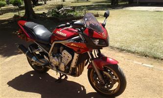 2011 Yamaha FZR