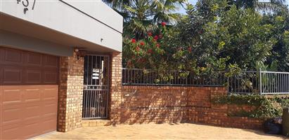 Neat 2 bedroom garden flat in Magalieskruin