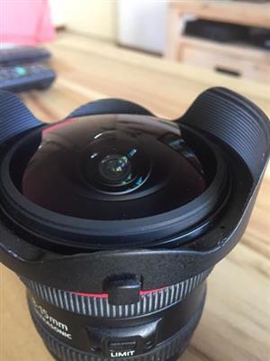 Canon 8-15 Fisheye Lense f2.8