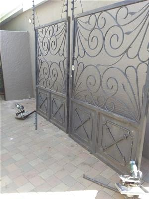 Gates 2 x swing with Hansa motors