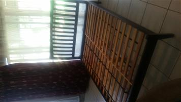 Wood double bed base with 2nd hand mattress