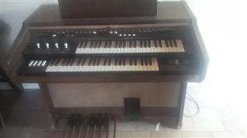 Yamaha Electron D-2B Organ